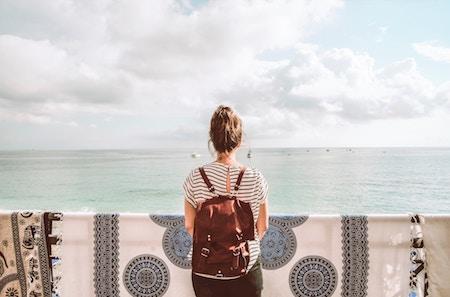Devenir Un « Backpacker » pour Regarder le Monde Entier
