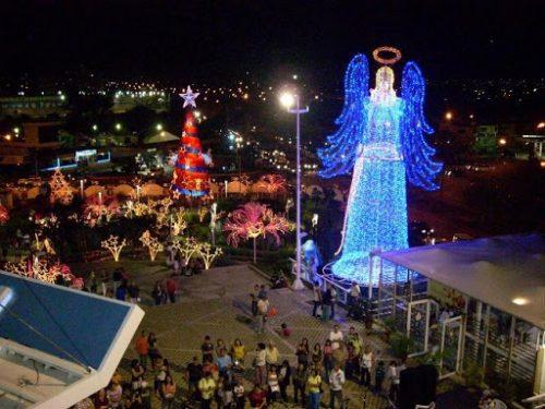 Noël, un beau moment pour les vacances, comment les gens autour de monde le célèbrent ?